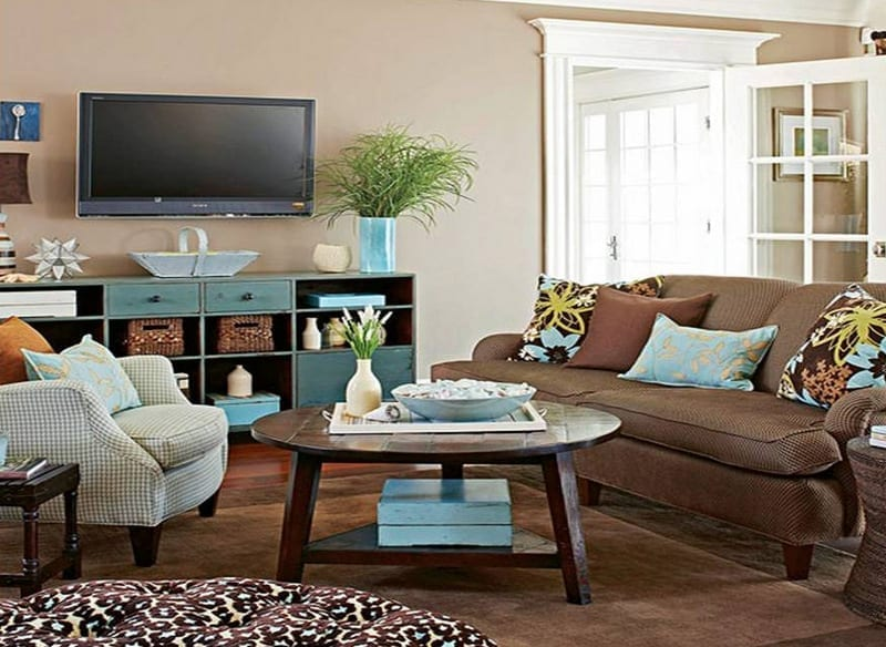 Tips on how to make rooms appear bigger love chic living for Simple coffee table decor