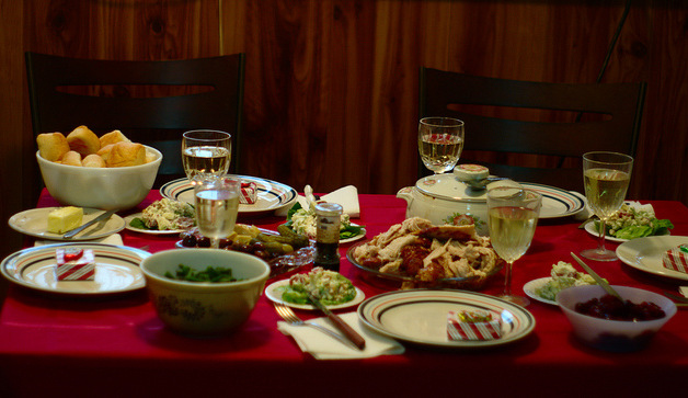 An organised Christmas dinner