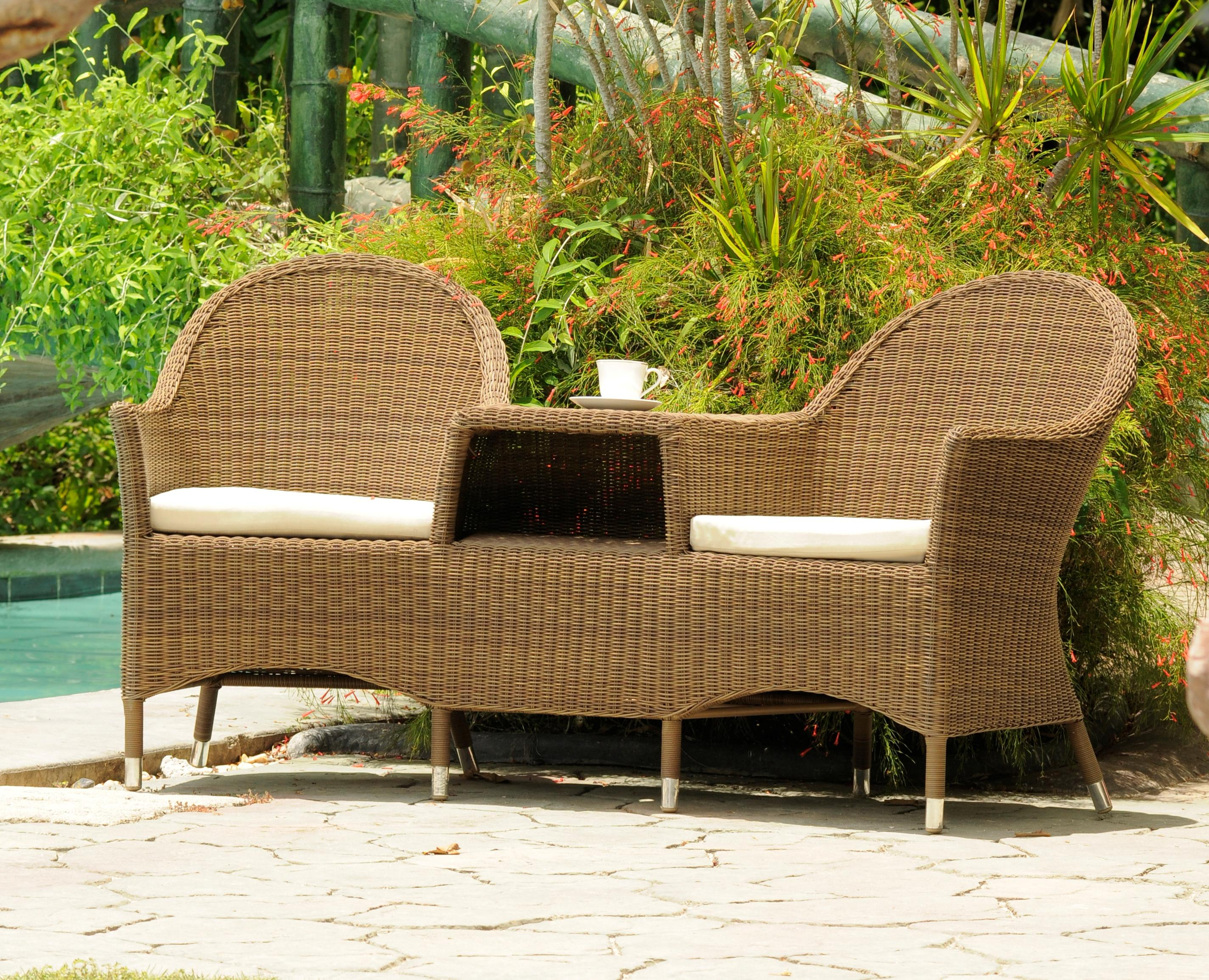 A guide to buying rattan furniture love chic living for What is wicker furniture