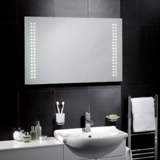 Chic Showcase: Bathroom Glamour and Sparkle