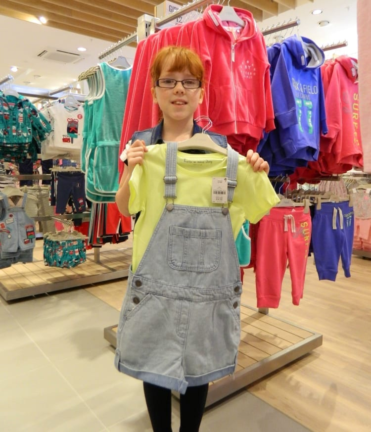 Dungarees outfit