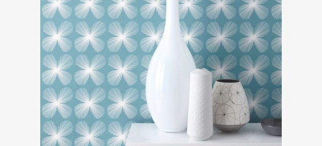 Wallpaper Wednesday: Habitat Wallpaper Etch Floral in KingFisher Blue