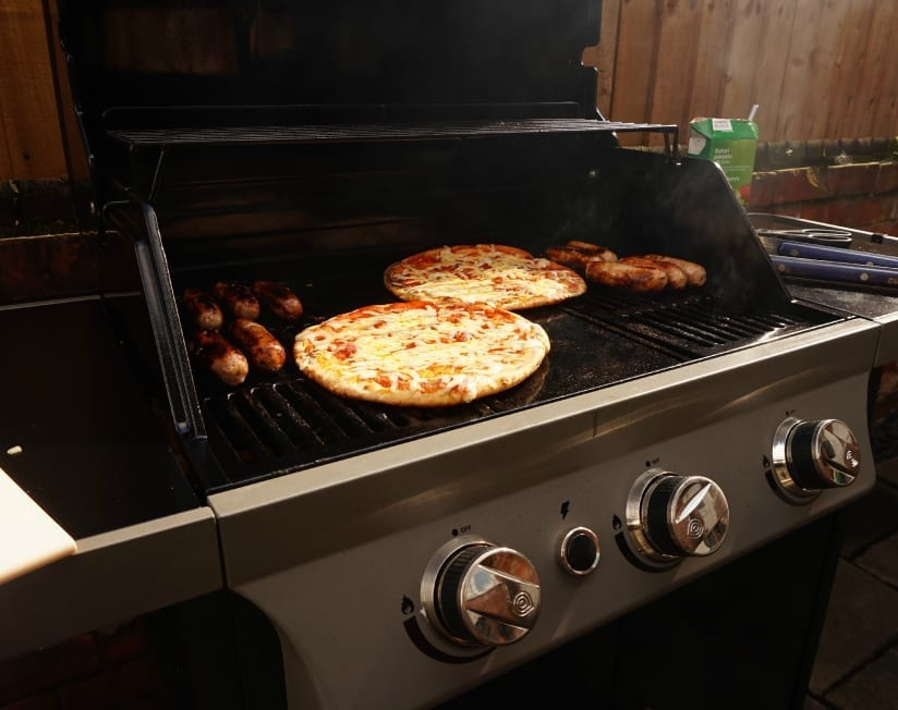 BBQ Pizza cooking