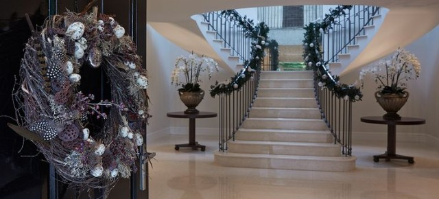 Christmas Home Style: Traditional vs Contemporary