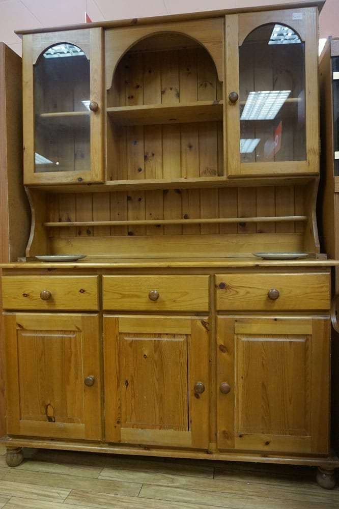 how to upcycle pine furniture 2