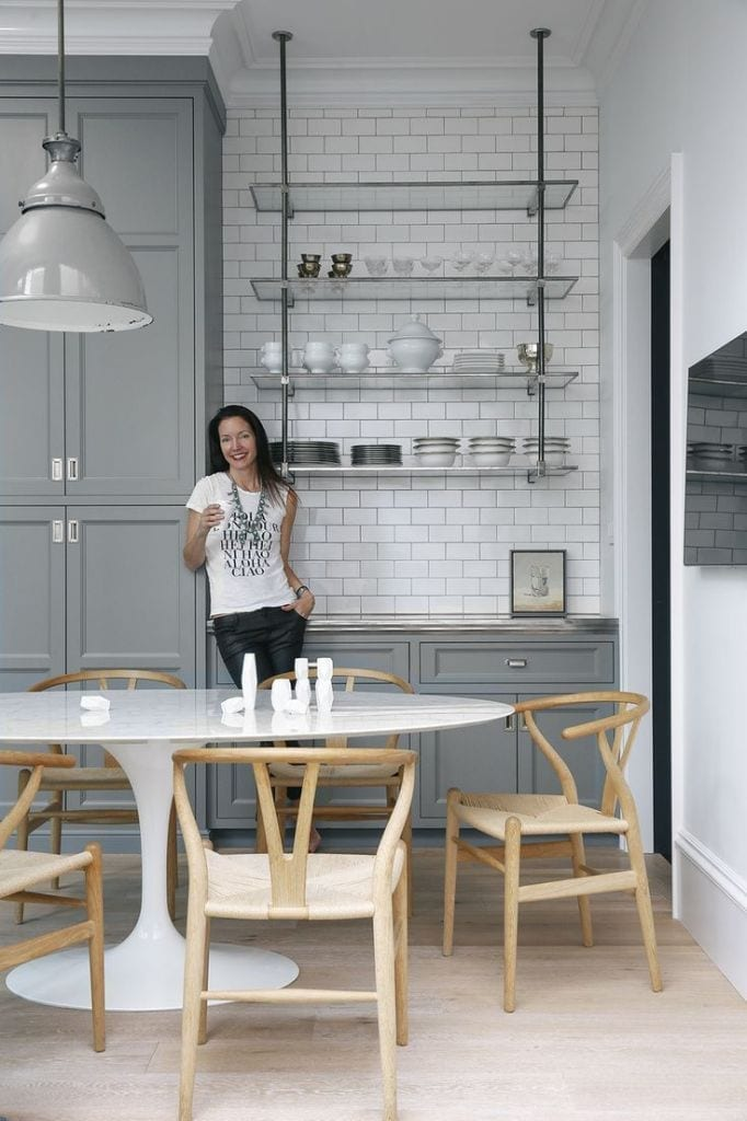 How to use minamalist glass shelving