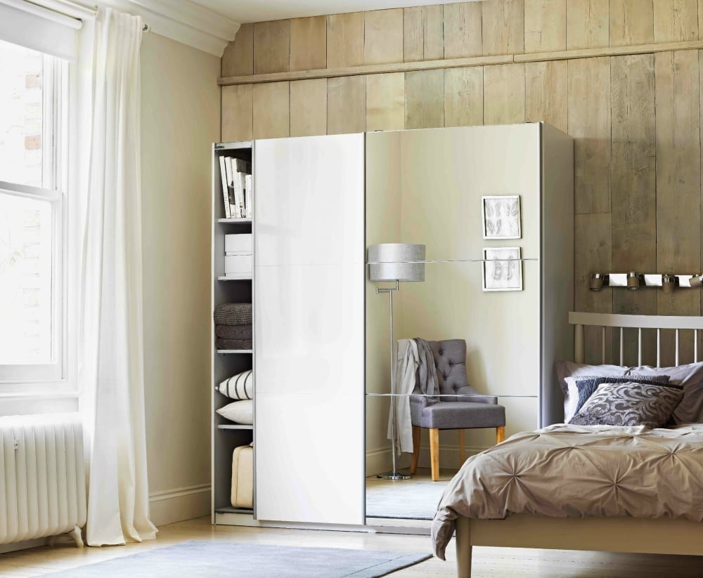 Sophisticated glamour bedroom