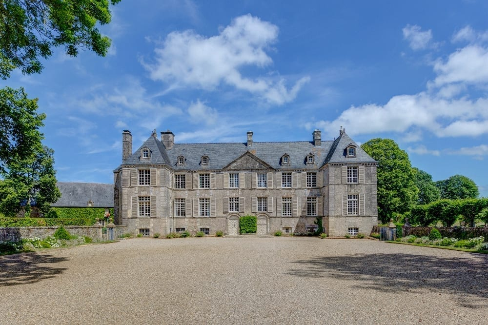 Chateau-de-Cource-Normady-Olivers-Travels (1)
