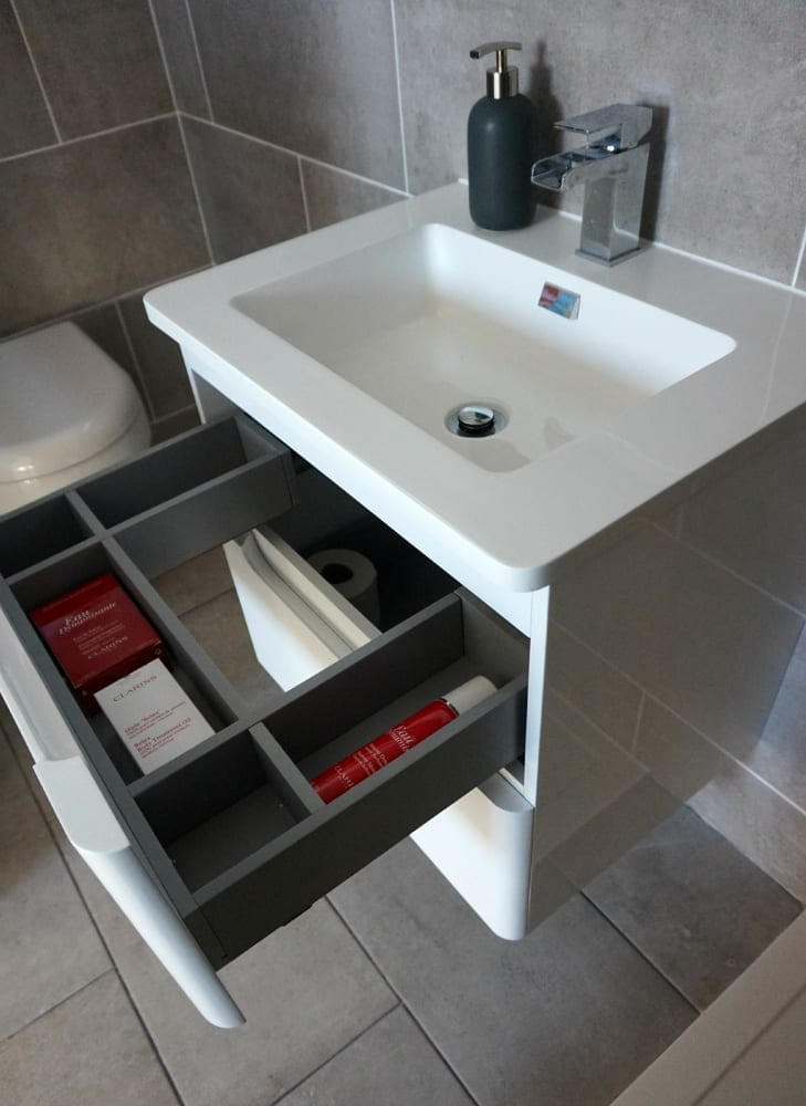 Vantage sink drawers