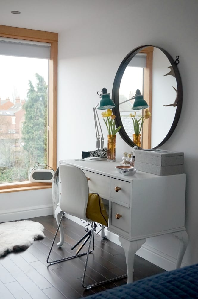 Attic dressing table