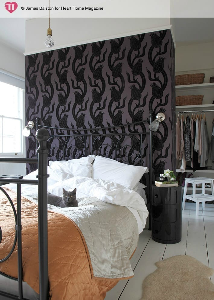 10 Easy Ways to Decorate a Small Bedroom On a Budget ...