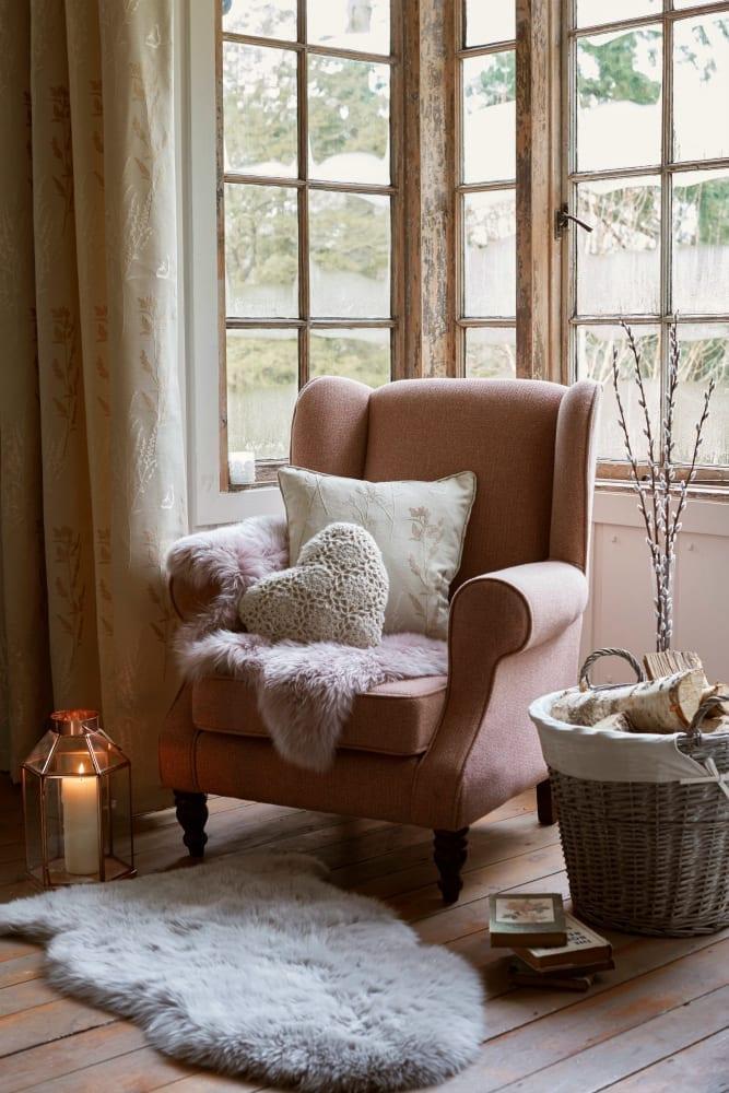textured-window-seat