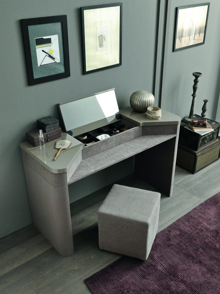 Contemporary Dressing Tables: