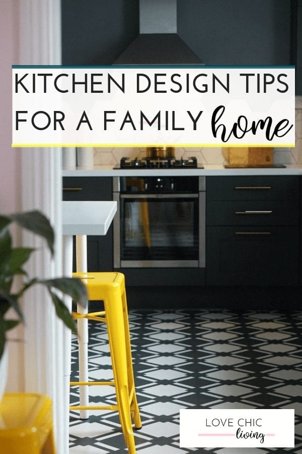 Kitchen design layout ideas for a contemporary family home. Whether you have a modern, luxury or small kitchen all of these ideas work, even if you're on a budget. #kitchendesign #kitchenlayout #kitchenreno #kitchenstyle #lovechicliving