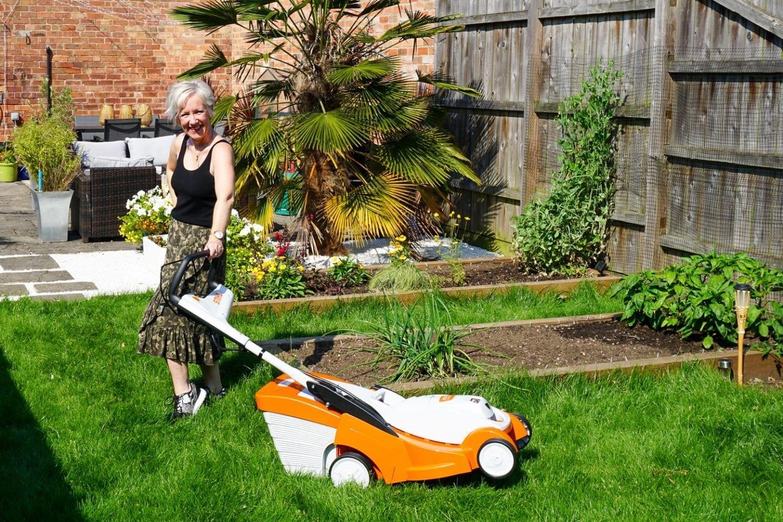stihl cordless lawn mower